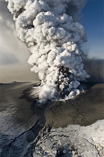 Ausbruch Vulkan Island