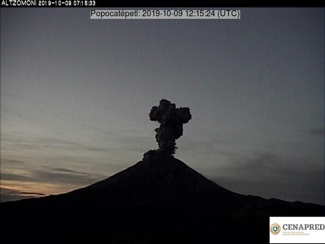 Popocatépetl´s moderate explosion (image: CENAPRED)