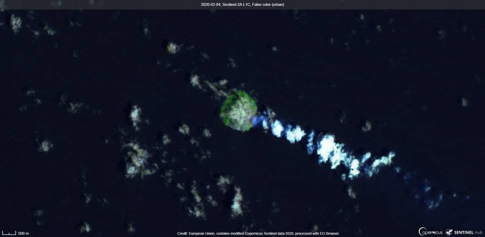 Emissions from Kadovar volcano on 4 February (image: Sentinel 2)