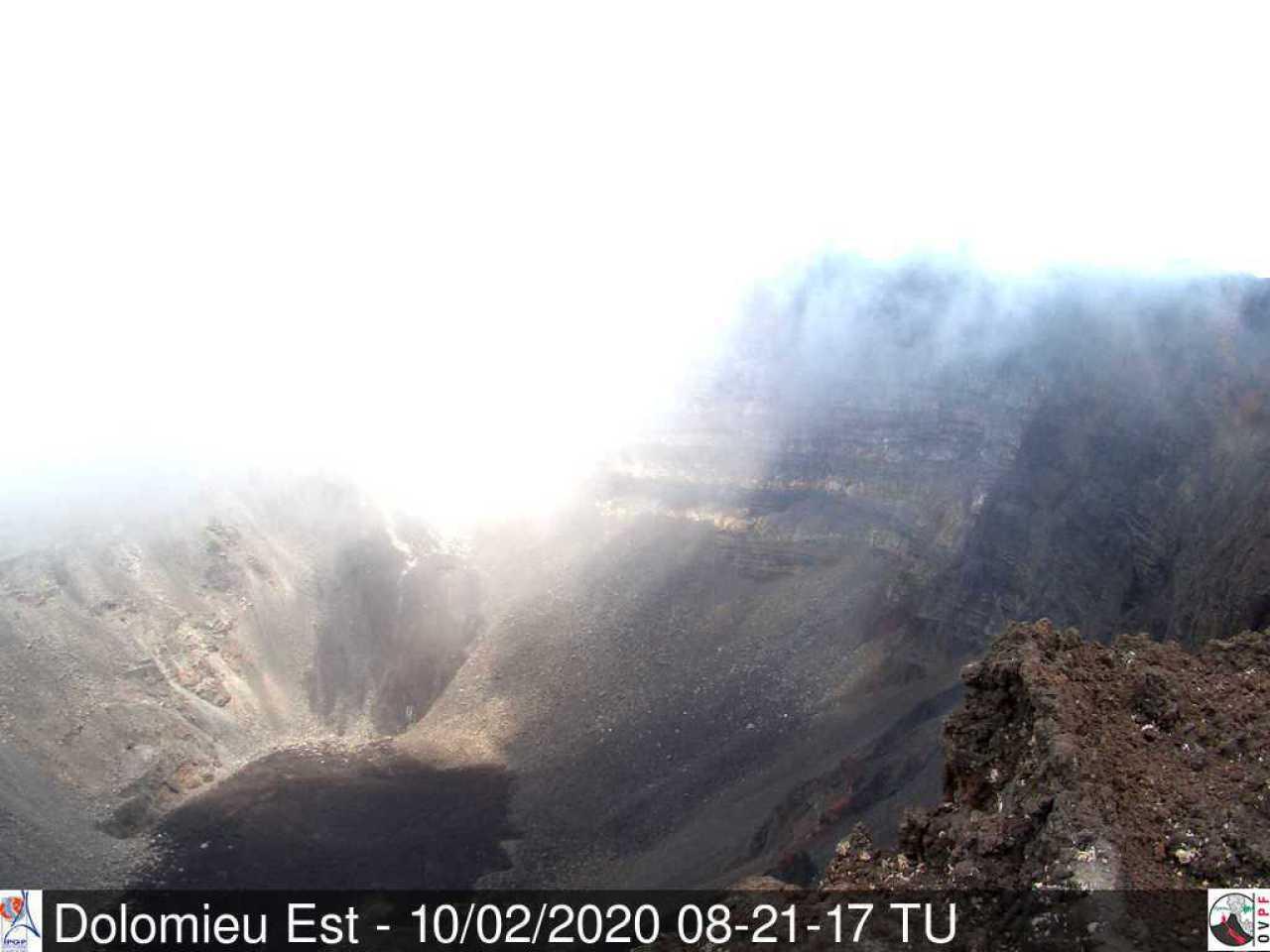 Piton de la Fournaise volcano this morning (image: OVPF)