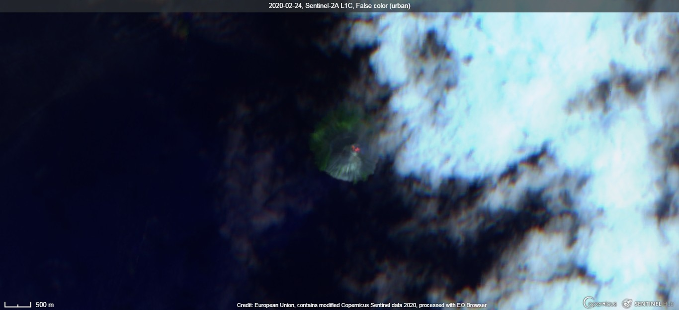 Incandescence from Kadovar volcano visible from satellite (image: Sentinel 2)