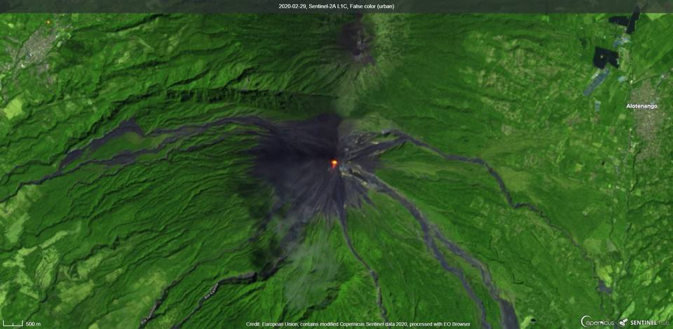 Incandescence visible from Fuego volcano (image: Sentinel 2)