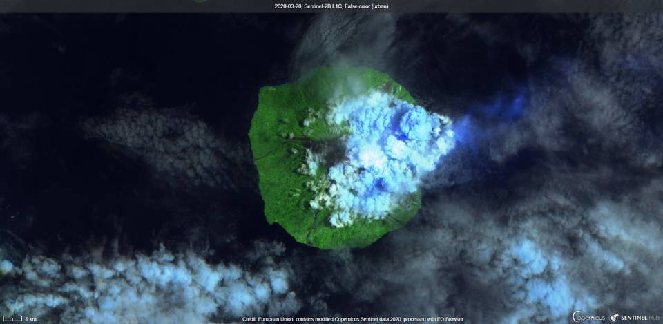 Incandescence associated with an ash plume from Manam volcano (image: Sentinel 2)