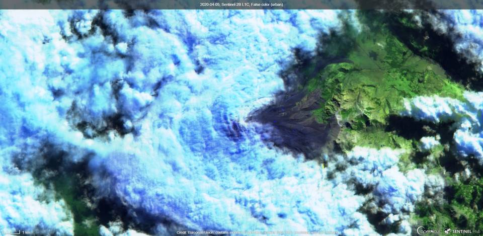 Lanin volcano covered by clouds yesterday (image: Sentinel 2)