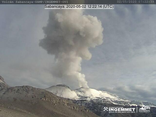 An explosion from Sabancaya volcano on 2 May (image: INGEMMET)