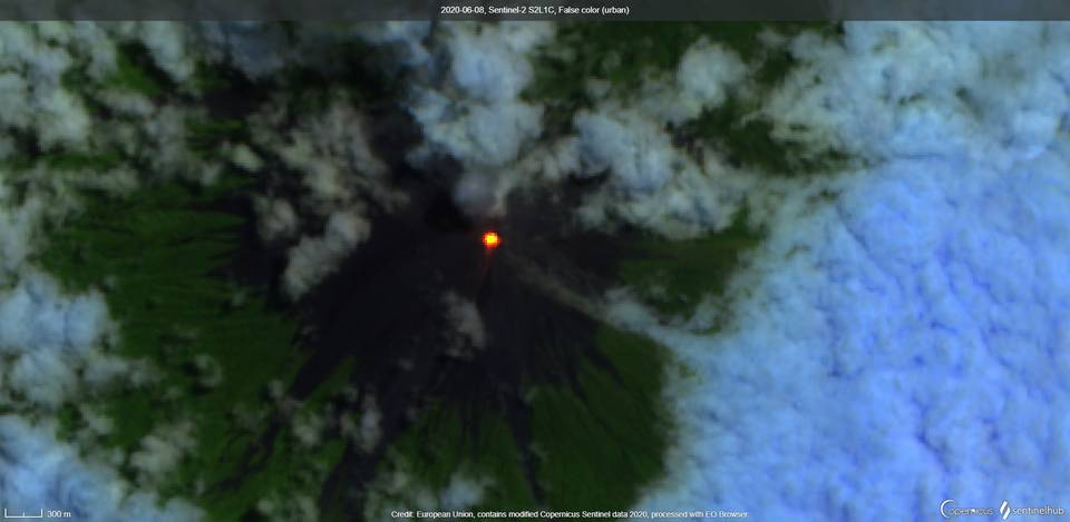 Incandescence from Fuego volcano (image: Sentinel 2)