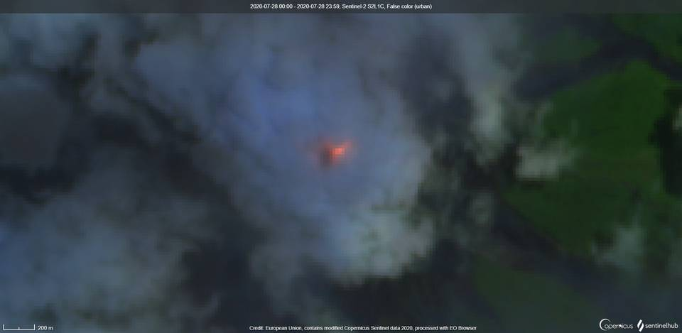 Incandescence continues to be observed in the crater at Fuego volcano (image: Sentinel 2)
