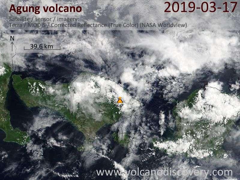 Satellitenbild des Agung Vulkans am 18 Mar 2019