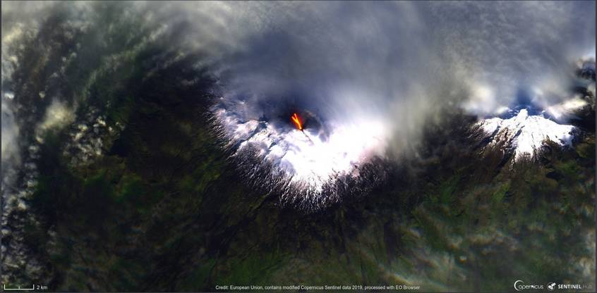 Lava branches on the northwest flank (image: Sentinel 2)