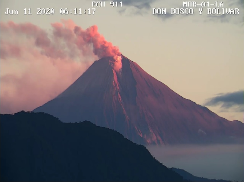 Pyroclastic current and ash emissions from Sangay volcano on 11 June (image: IGEPN)