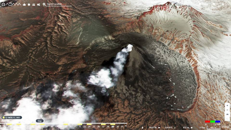 Volcanic ash from Karymsky volcano on 29 May (image: @PlatformAdam/twitter)