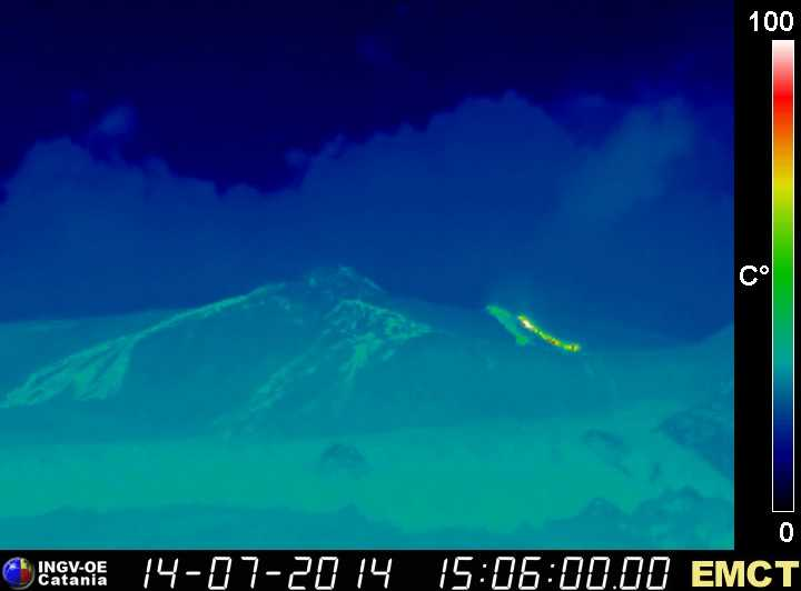 ИК-изображение Этна в активных лавовых потоков от эффузивных отверстие в основании кратера СВ