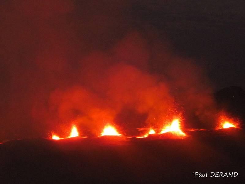 Eruptive fissure of Piton de la Fournaise on 31 July (image: Paul Dérand)