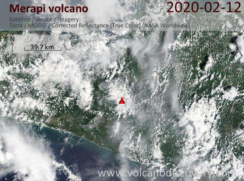 Satellitenbild des Merapi Vulkans am 12 Feb 2020