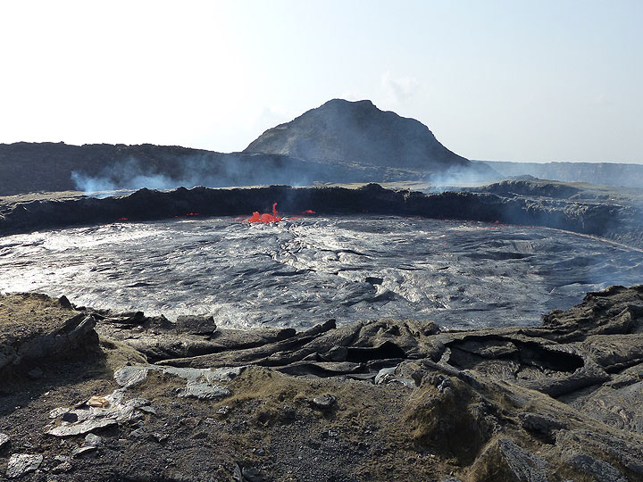 The lava lake of Erta Ale in late Nov 2015 (photo: Ingrid / VolcanoDiscovery)