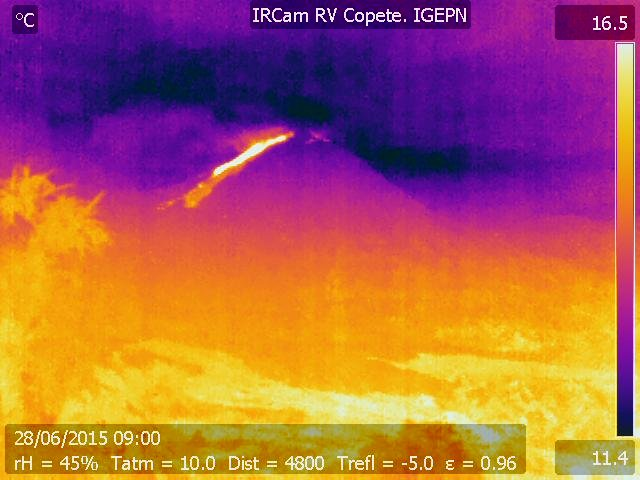 Active lava flow on Reventador today, seen on the thermal webcam