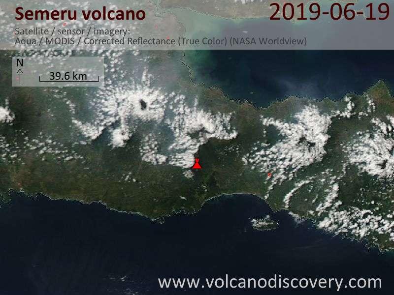 Спутниковое изображение вулкана Semeru 19 Jun 2019