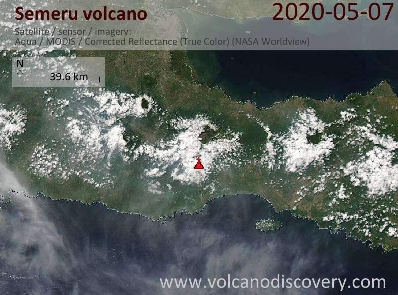 Satellite image of Semeru volcano on  7 May 2020