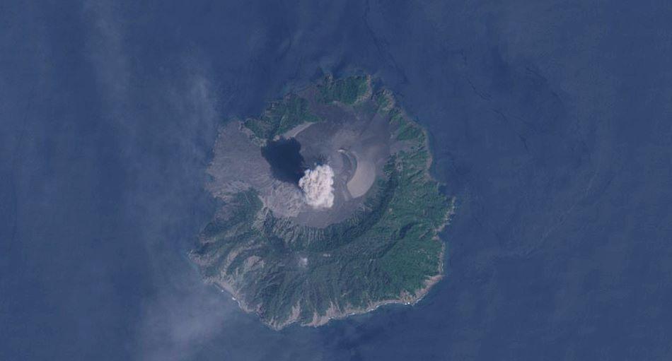 Santinel-2 image from 27 Feb 2019 showing erupting Barren Island