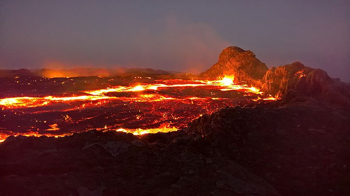 Erta Ale's lava lake on 29 Dec 2016 (image: Jens Wolfram Erben)