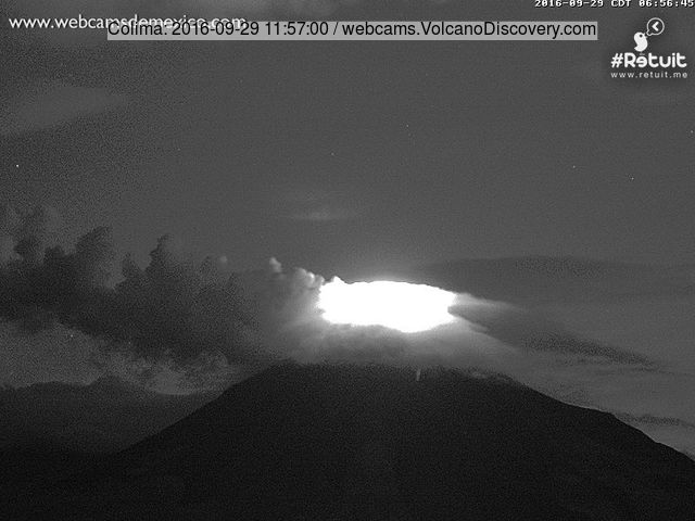 Glow from Colima's new lava dome this morning