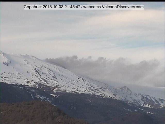 Ash plume from Copahue volcano on 3 Oct 2015