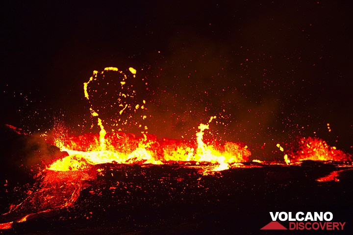 Erta Ale lava lake overflowing (archive image from Dec 2010)