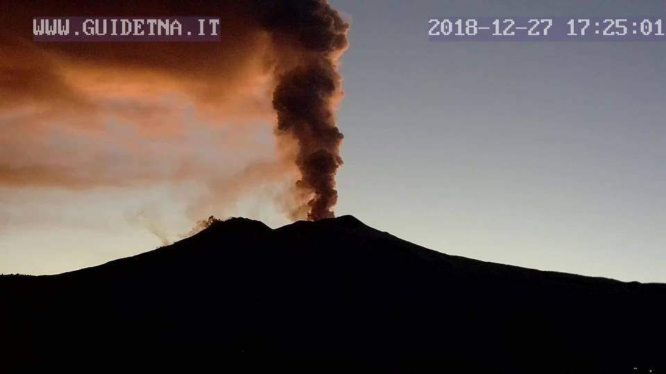 Tall steam and ash plume rising from Etna's Bocca Nuova (GuidEtna webcam)crater