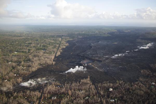 Current scene at Fissure 8. Credit: USGS/HVO.