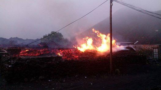 Destruction of houses in Portela this morning. (Fogo News)
