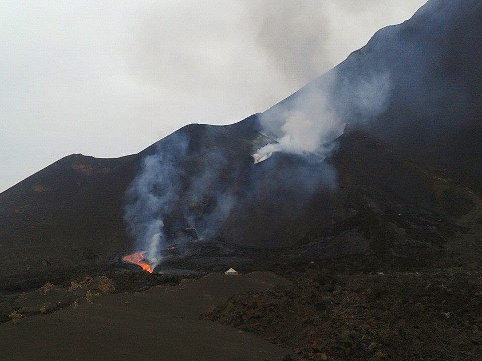 The vents at Fogo volcano and the new lava flow near its source (image: GeoVol)