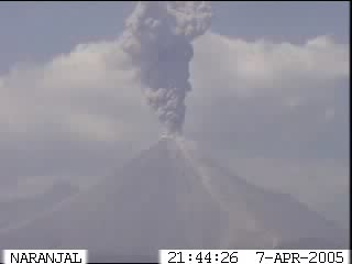 A mild eruption at Colima on April, 7 - Livecam image (from: http://www.ucol.mx/volcan/boletin.htm)