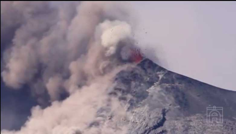 Lava fountaining from Fuego yesterday (AntiguaCulturalTV)