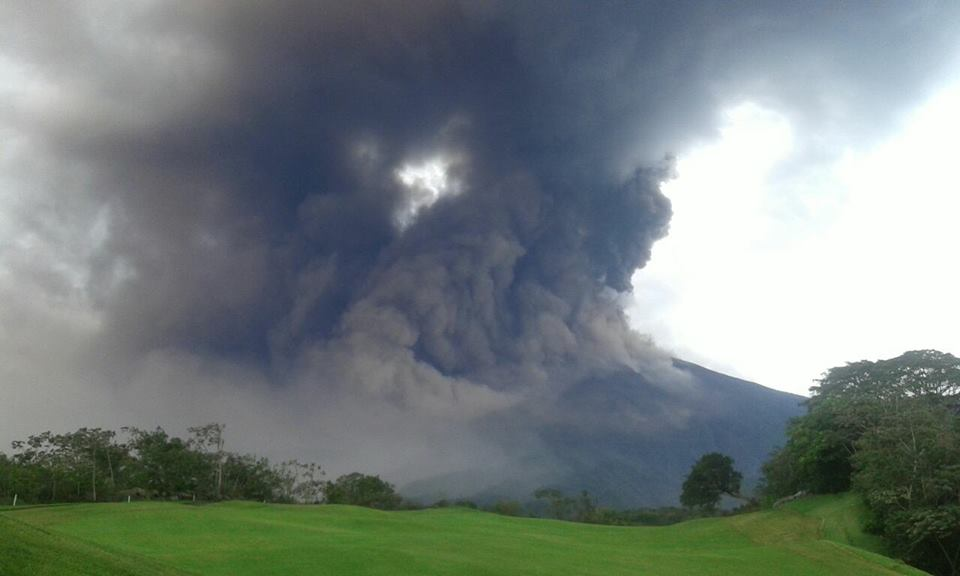Pyroclastic flow on Fuego on 5 May 2017 (image: CONRED)