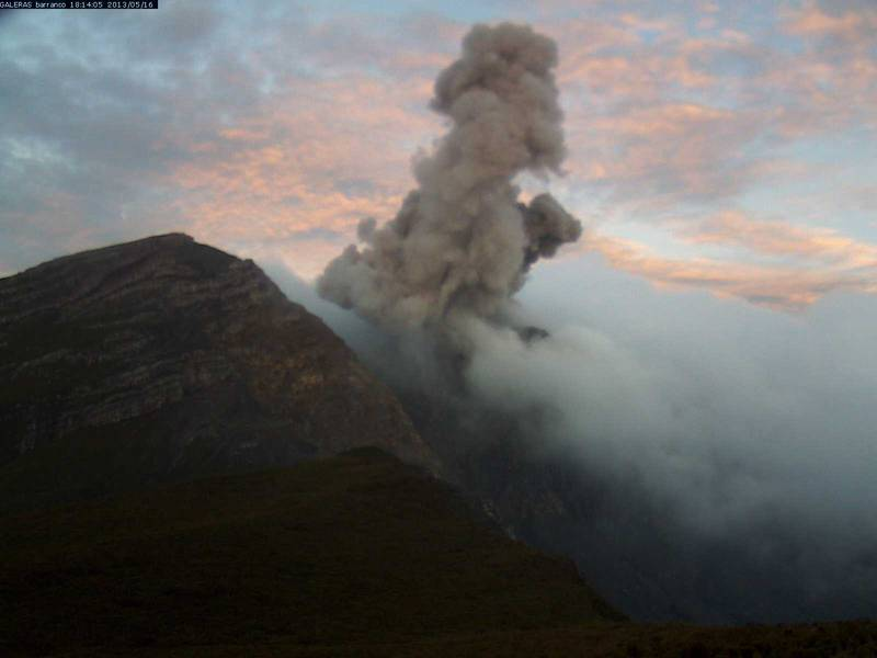 Ash emissions from Galeras on 16 May (INGEOMINAS)