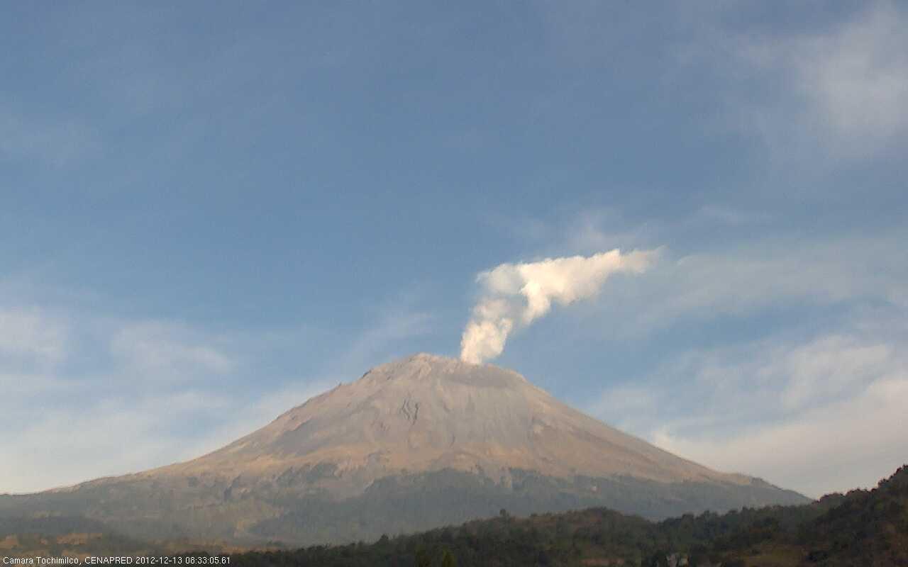 Steaming Popocatépetl on 13 Dec 2012