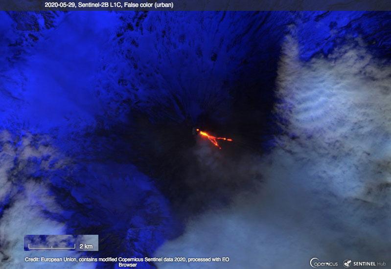 Satellite image of Klyuchevskoy volcano on 29 May 2020 (image: Sentinel-2 / EO Browser)
