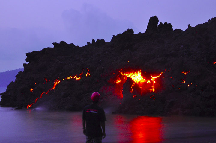 At the cooling lava flow at dusk (3 Sep)