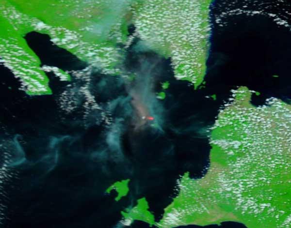 De ash plume van Krakatau gisteren zoals te zien op de NASA aqua satellit (3 Sep)