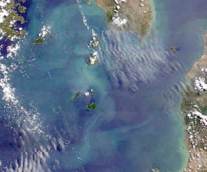 Crop of this morning's Terra satellite image (NASA) showing the Krakatau island group in the Sunda Strait (center of image)