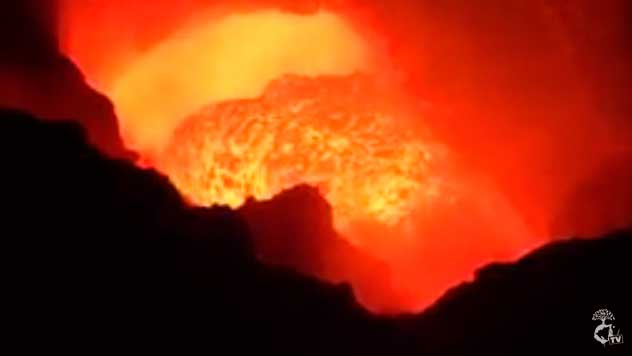 View of the lava lake in Masaya's Santiago crater on 1 March 2016 (image: OrgNicAmbTv)
