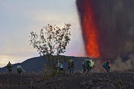 Tourists at the eruption site of Nyamuragira (9? Nov, photo: ©Cai Tjeenk Willink-Virunga National Park)