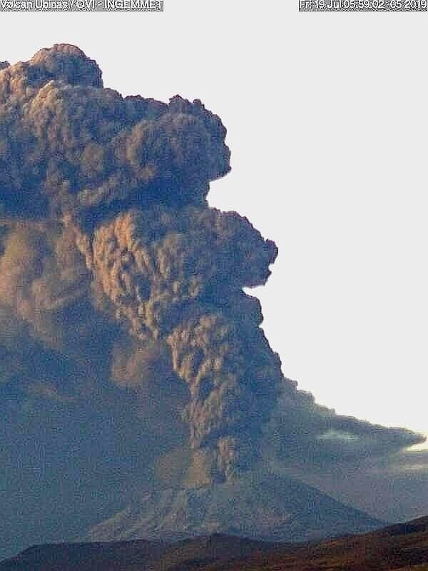 Dense ash column seen in a webcam view yesterday morning. Credit: Ingemmet