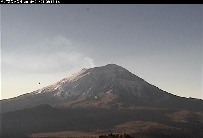 Ontgassing pluim van Popocatépetl gisteren