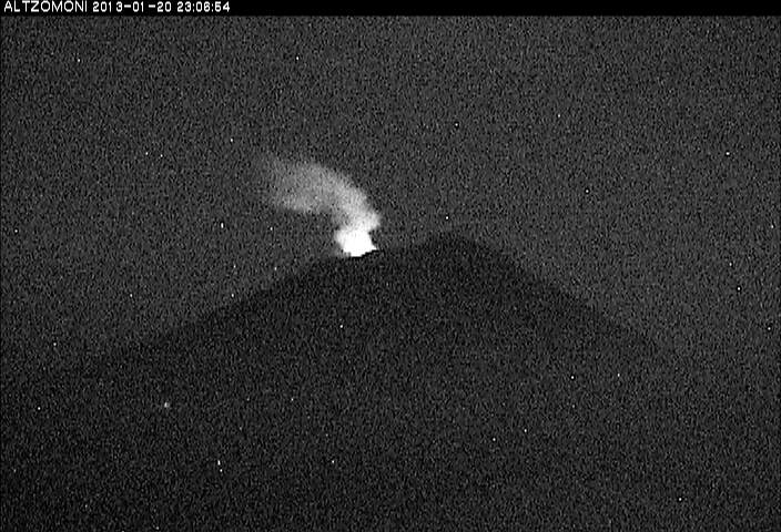 Emission of steam and ash during the night 20-21 Jan