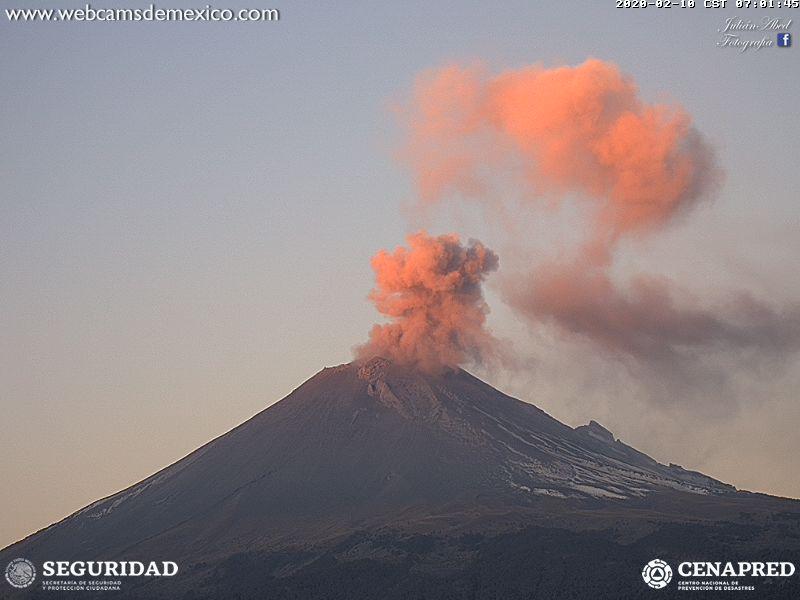 Eruption of Popocatépetl volcano yesterday (image: CENAPRED)