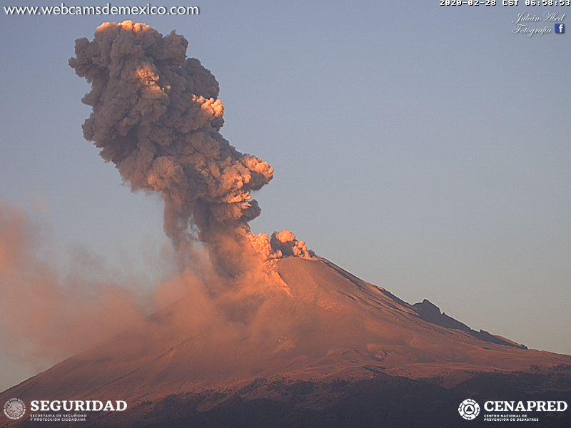 Eruption of Popocatépetl volcano (image: CENAPRED)