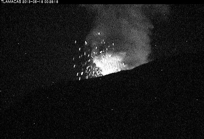 Moderate explosion at Popocatépetl this morning
