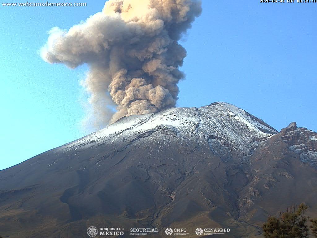 Ash plume from Popocatépetl volcano (image: CENAPRED)