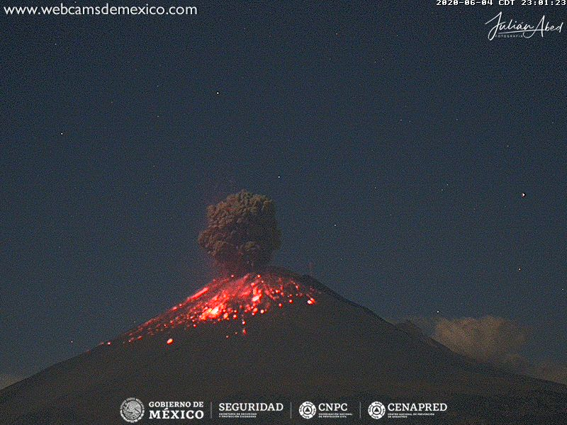 Ash column and incandescent material from Popocatépetl volcano on 4 June (image: CENAPRED)